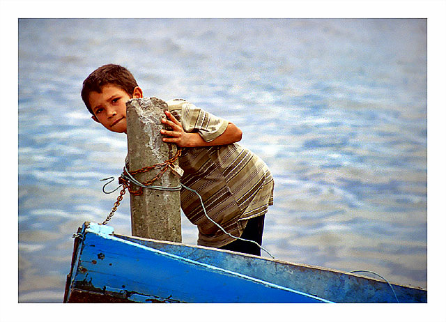 "photo ""The boy"" tags: portrait, landscape, children, water"