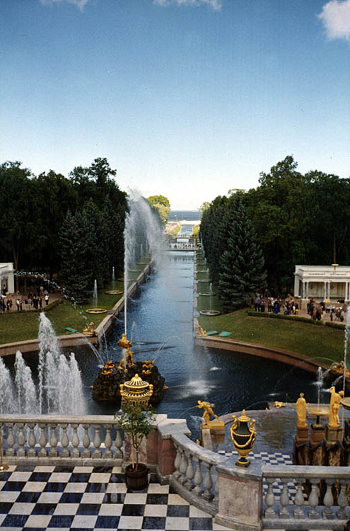 "photo ""The ""Samson"" fountain in the Piter palace"" tags: architecture, travel, landscape, Europe"