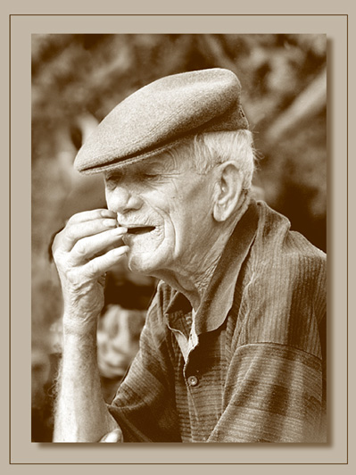 "photo ""old man 1"" tags: portrait, man"