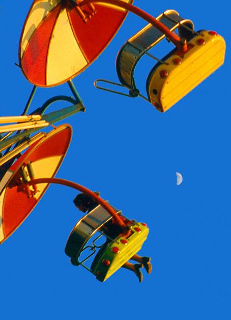 "фото ""Flying with a moon"" метки: разное, юмор,"
