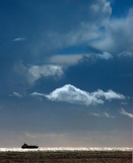 "фото ""Between sea and sky"" метки: разное,"