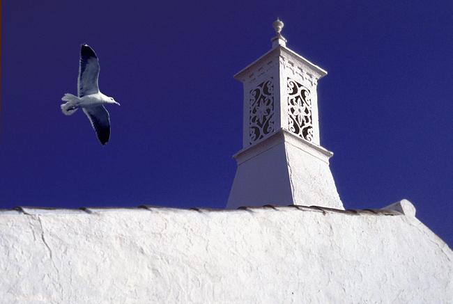 "photo ""Chimney Algarve - Portugal"" tags: misc.,"