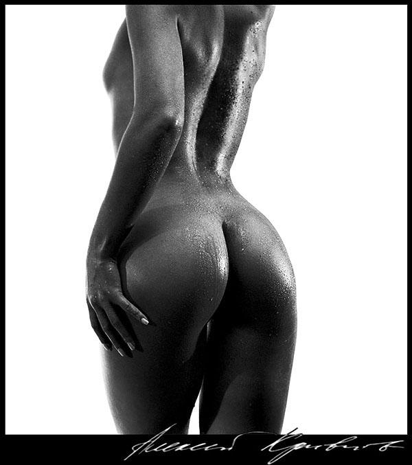 "photo ""Bronze. The form."" tags: nude,"