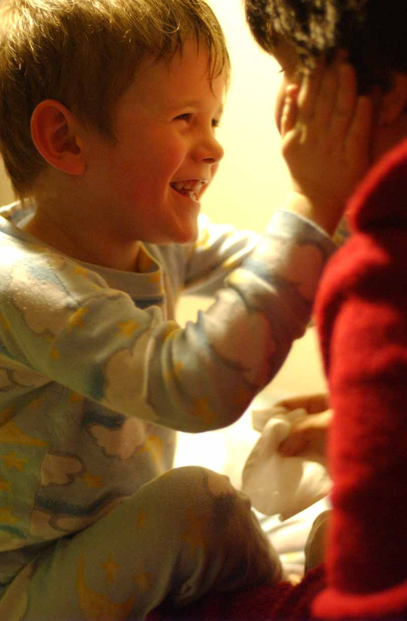 "photo ""Good night mommy, I love you"" tags: portrait, genre, children"