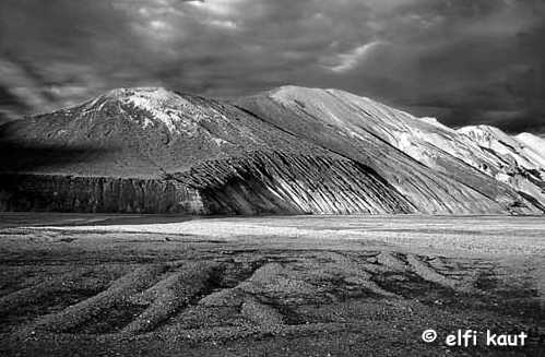 "photo ""ICELAND"" tags: landscape, mountains"