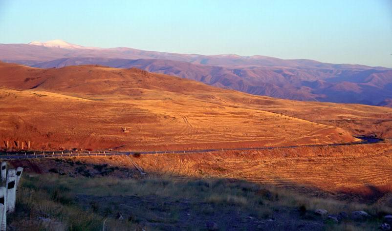 """фото """"Горный ландшафт на закате"""" метки: пейзаж, горы, закат"""