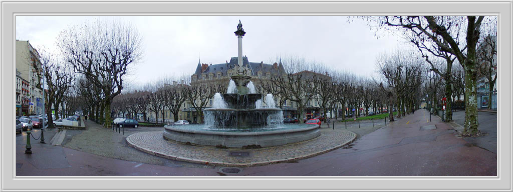 "photo ""A Town Boulevard"" tags: travel, Europe"
