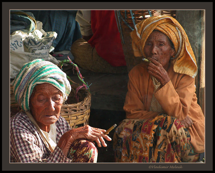 "photo ""Old female friends smoking cheeroots..."" tags: portrait, travel, Asia, woman"