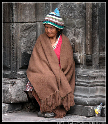"photo ""Old Quito"" tags: portrait, woman"