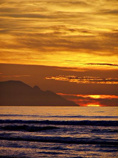 "photo ""magic sunrise"" tags: landscape, sunset"