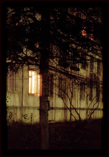 "фото ""я будто мотылек лечу глазами из темноты к свету.."" метки: архитектура, пейзаж,"