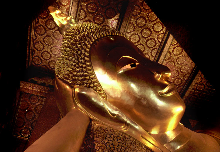 "photo ""the reclining budha"" tags: reporting, travel, Asia"