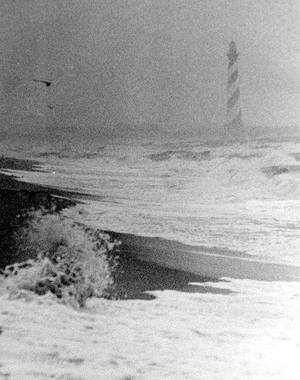 """фото """"Lighthouse in a storm"""" метки: пейзаж, черно-белые, вода"""