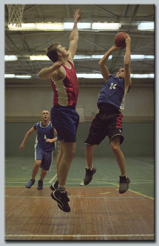 "фото ""Атака синих"" метки: спорт, фотомонтаж,"