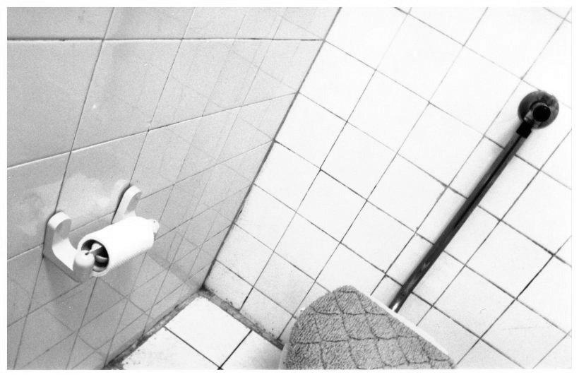 "фото ""lost corner..."" метки: черно-белые,"