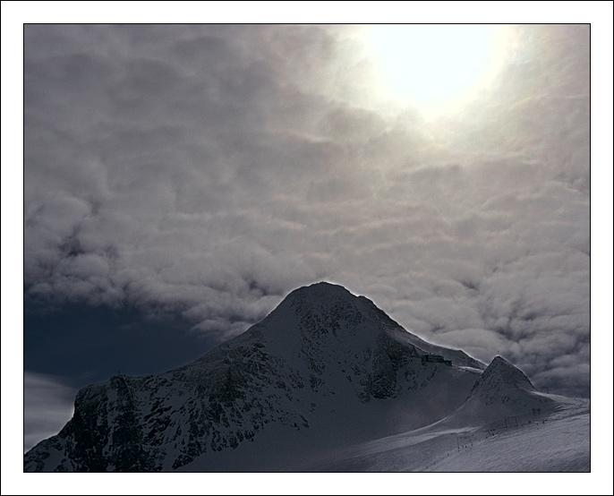 """фото """"дыра в небе"""" метки: пейзаж, путешествия, Европа, горы"""