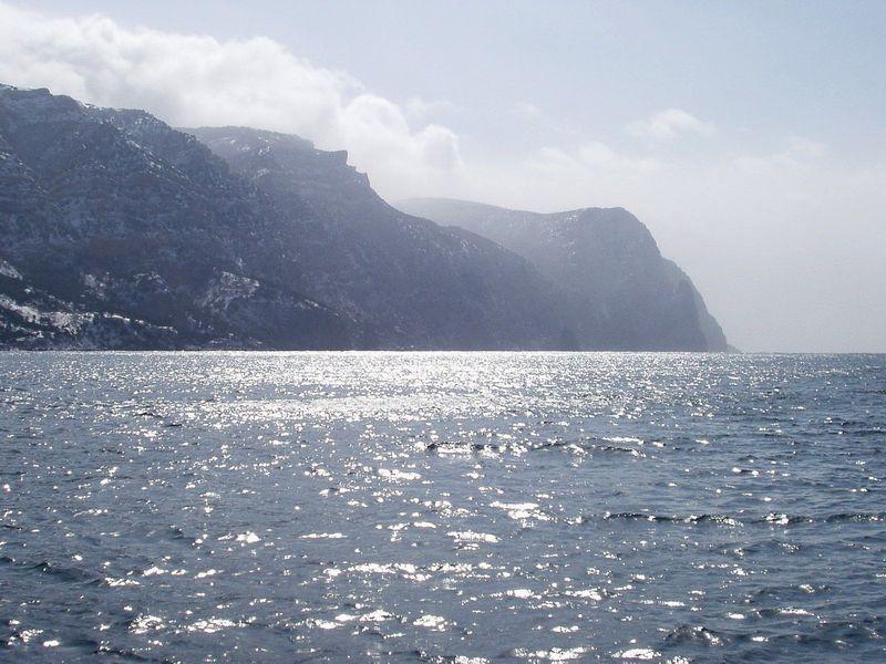 "фото ""Rocks and water"" метки: пейзаж, вода, горы"