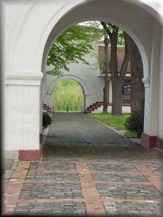 "photo ""portal"" tags: travel,"