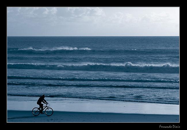 "фото ""MTB in the beach"" метки: пейзаж, жанр, вода"