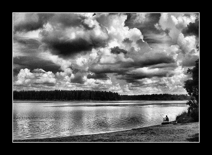"фото ""Один."" метки: пейзаж, вода, облака"