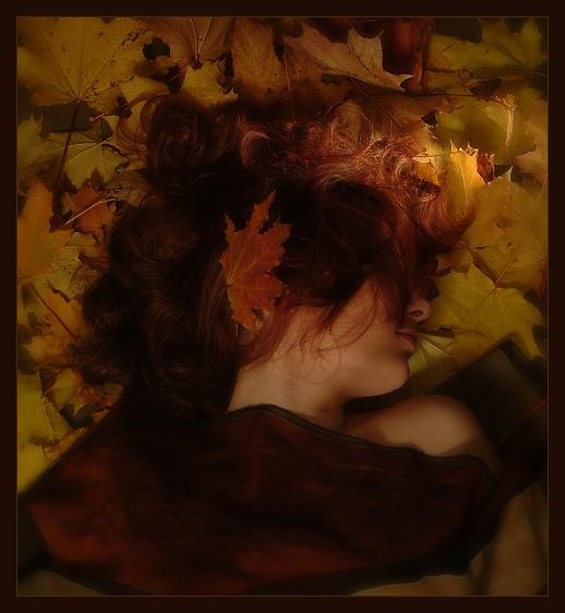 """фото """"Лежа на золотом покрывале она видит золотые сны."""" метки: портрет, женщина"""