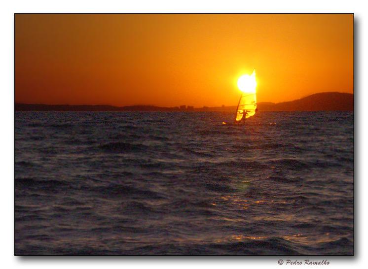 "фото ""Windsurfing the Sun"" метки: пейзаж, вода, закат"