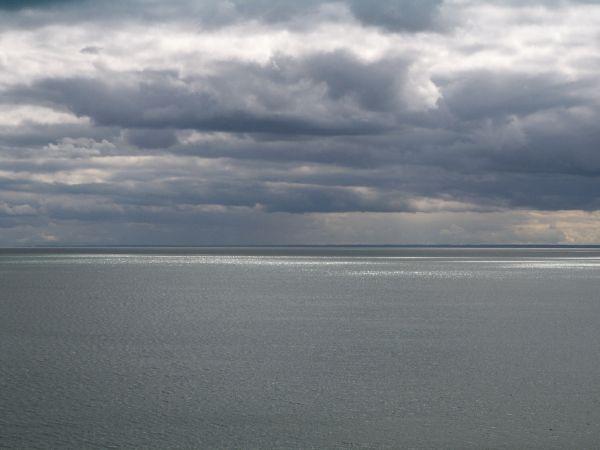 """фото """"Calm before a storm"""" метки: пейзаж, вода, облака"""