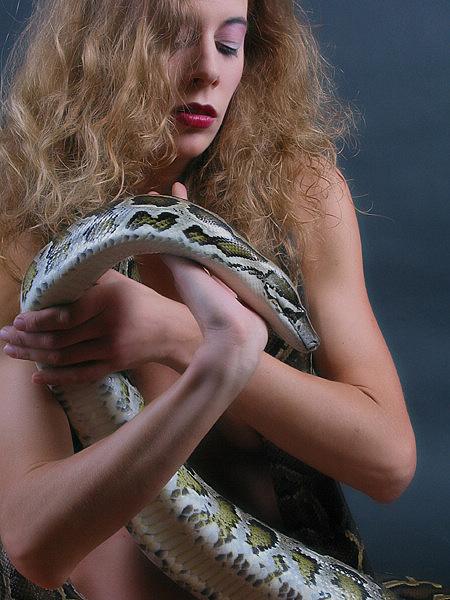 "фото ""queen of snakes"" метки: ню,"