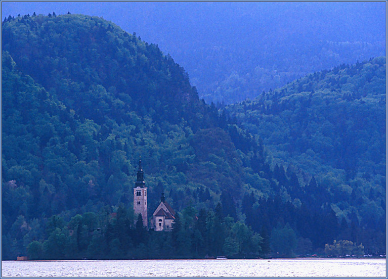 "photo ""Twilight on Bled"" tags: landscape, mountains, water"