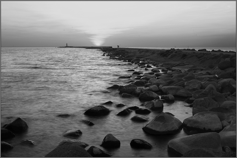 "photo ""***"" tags: black&white, landscape, water"