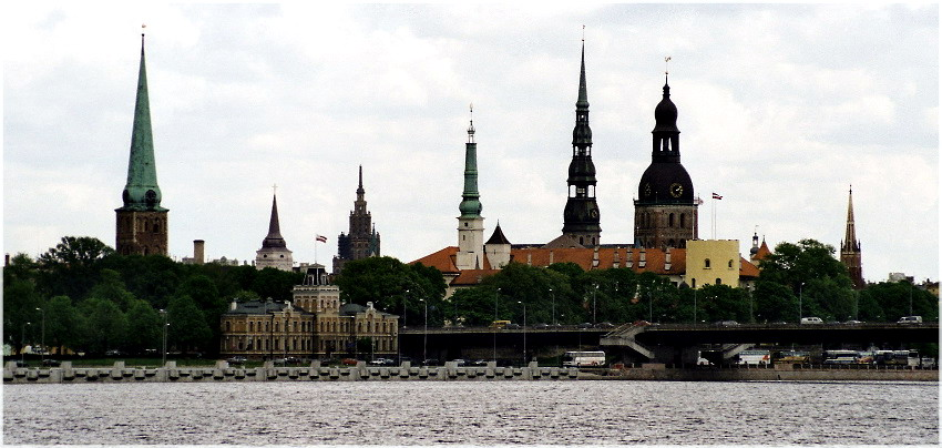 "photo ""Spires of Riga"" tags: travel, Europe"