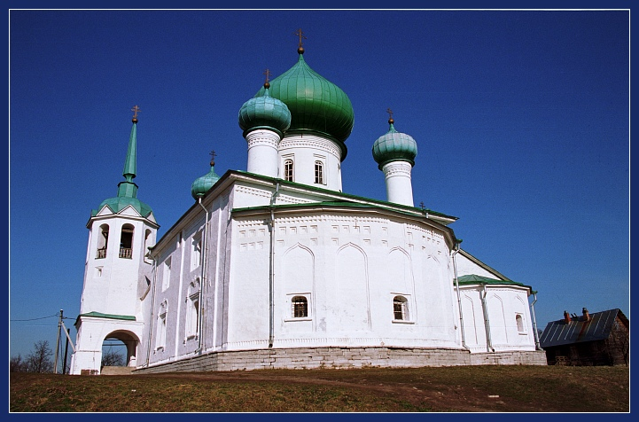 "photo ""Chirch / Old Ladoga"" tags: travel, architecture, landscape, Europe"