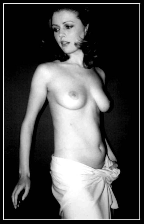 "photo ""nu"" tags: nude,"