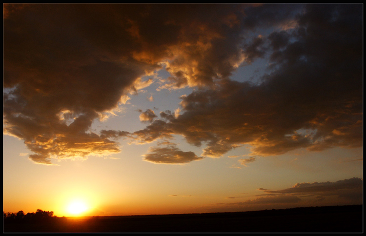 "photo ""The tired sun"" tags: landscape, clouds, sunset"
