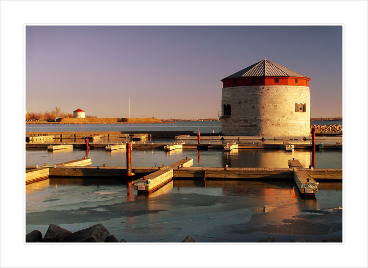 "photo ""Kingston in the evening"" tags: architecture, travel, landscape, North America"