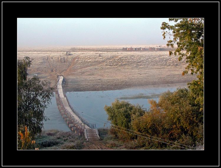 """photo """"White Footbridge"""" tags: misc., landscape, autumn"""