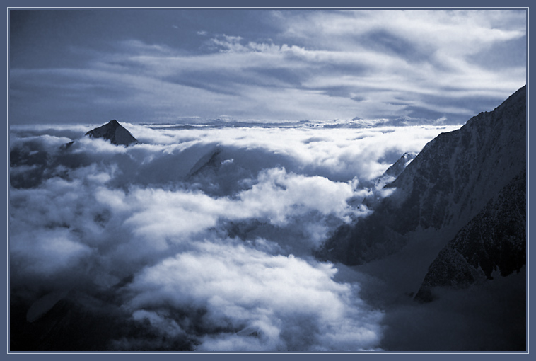 "photo ""Clouds and mountains"" tags: landscape, clouds, mountains"