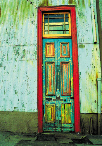 "photo ""Another Valpo`s Door"" tags: travel, architecture, landscape, South America"