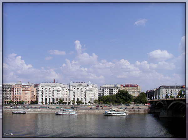 "photo ""The other side of Danube"" tags: architecture, landscape, clouds"