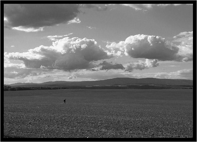 "photo ""..."" tags: black&white, landscape, clouds"