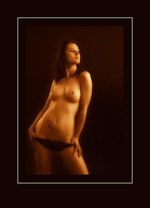 "photo ""040604"" tags: nude,"