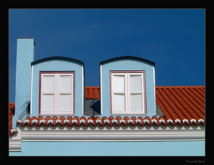"photo ""House in the roof"" tags: architecture, landscape,"