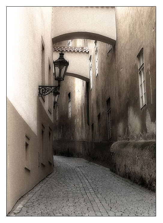 """photo """"a street"""" tags: architecture, travel, landscape, Europe"""