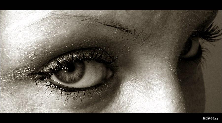 "photo ""eyes"" tags: portrait, woman"