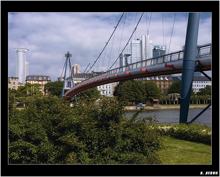 "photo ""Frankfurt"" tags: architecture, landscape,"