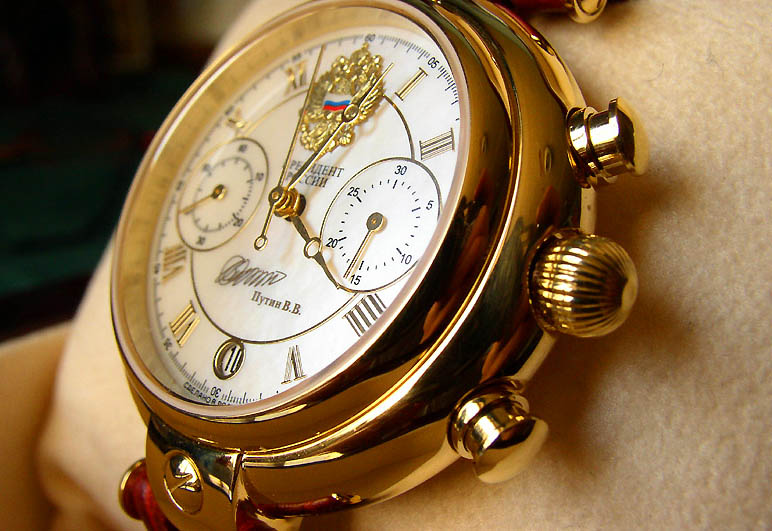 "photo ""watch"" tags: macro and close-up, montage,"