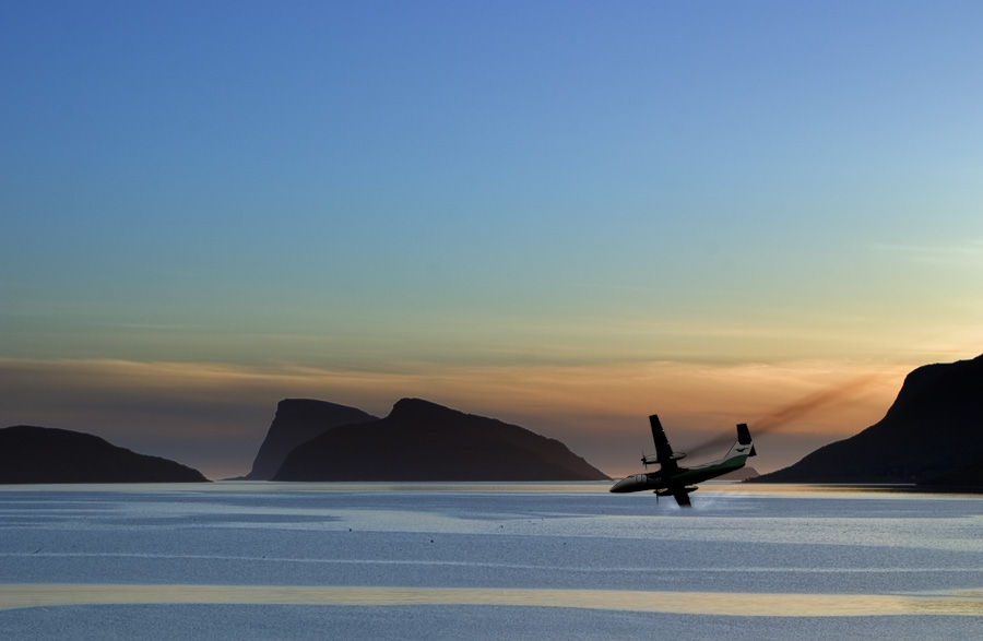 "photo ""Midnight sun air crash"" tags: misc.,"