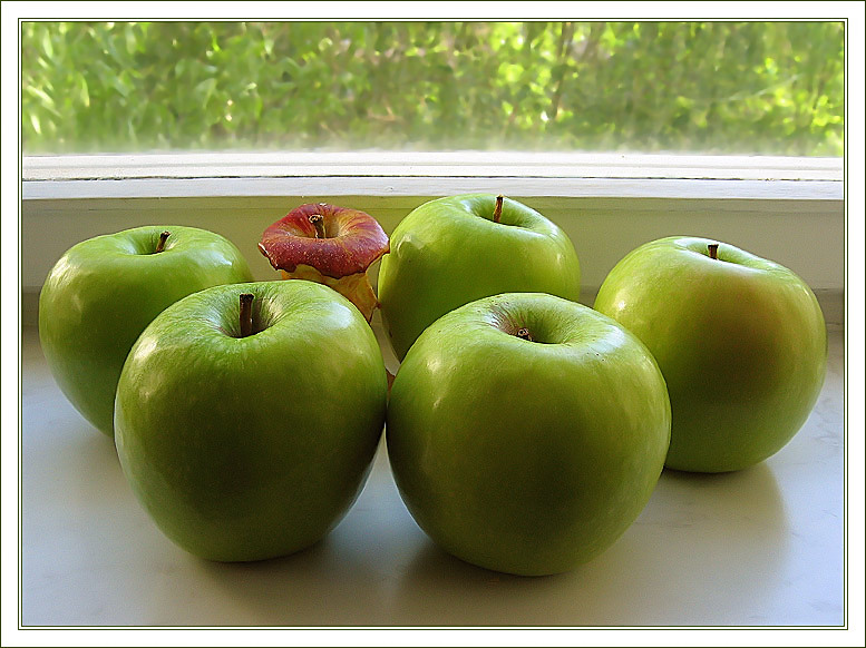 "photo ""About apples"" tags: still life,"