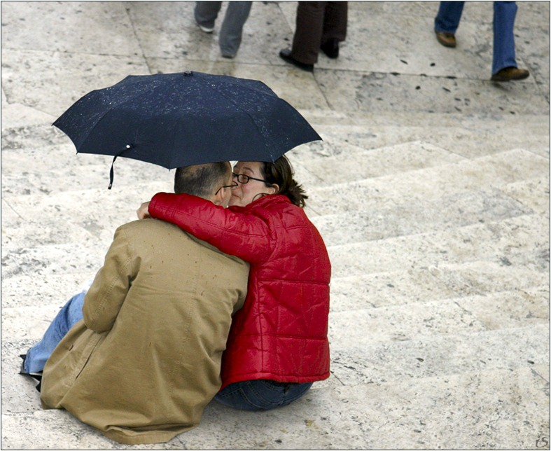 "photo ""The kiss under the umbrella."" tags: genre,"