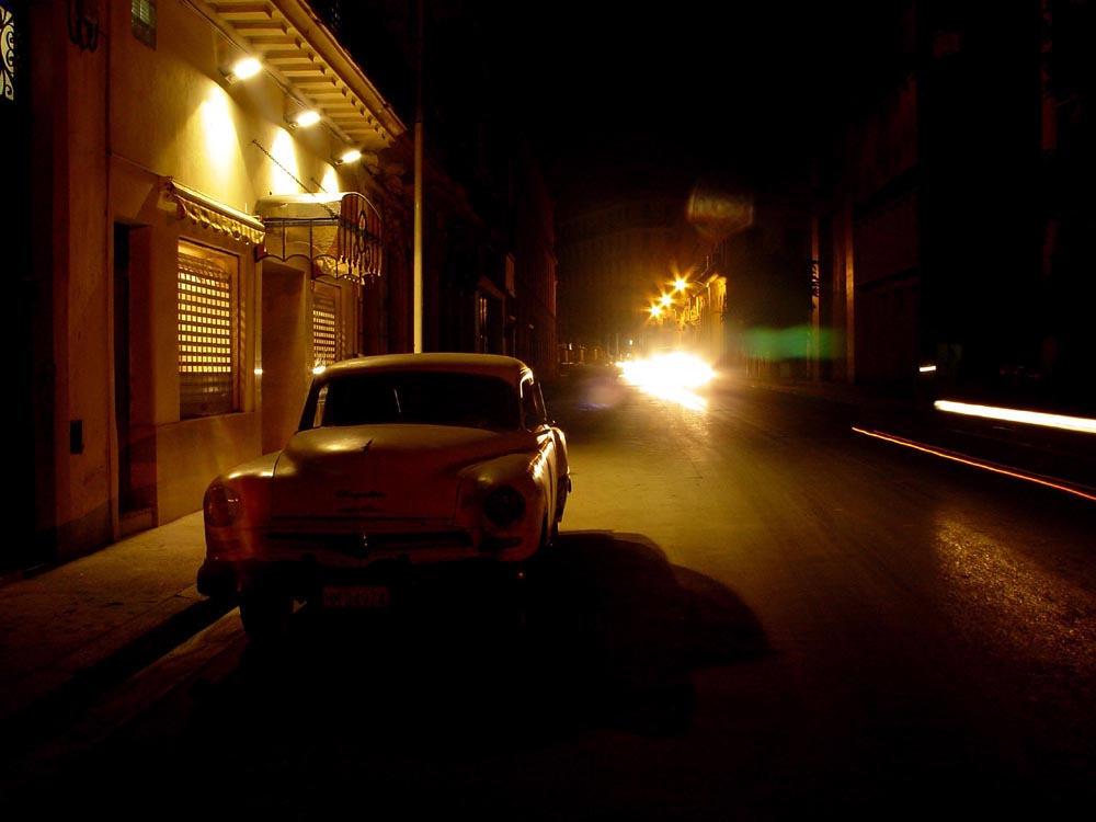 "photo ""Havana at night"" tags: travel, architecture, landscape, North America"